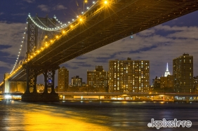 Stampe famose PHOTOFVG / L.Gaudenzio MANHATTAN BRIDGE AT NIGHT