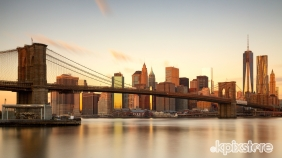 BROOKLYN BRIDGE ALL'ALBA