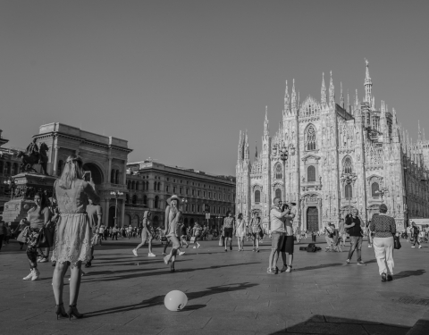Stampe famose Angelo D'Ambrosio  Piazza Duomo, Milano